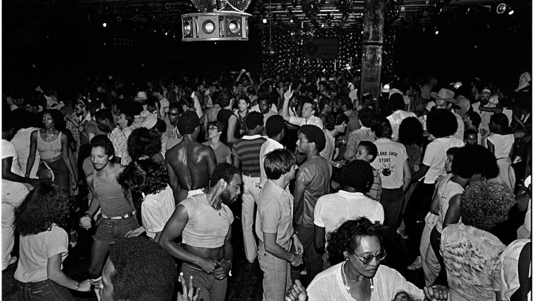 paradise-garage-1979-paradise-garagee28093goers-danced-until-the-early-morning-to-the-sounds-of-dj-larry-levan-with-its-state-of-the-art-sound-system-you-could-feel-the-music-throughout