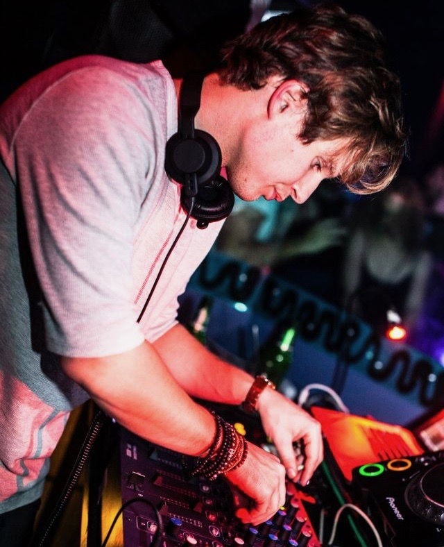 The lost art of the warm-up DJ with Davidow